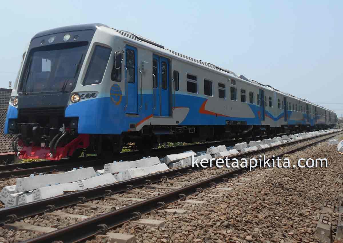 Gambar Railbus Solo Wonogiri