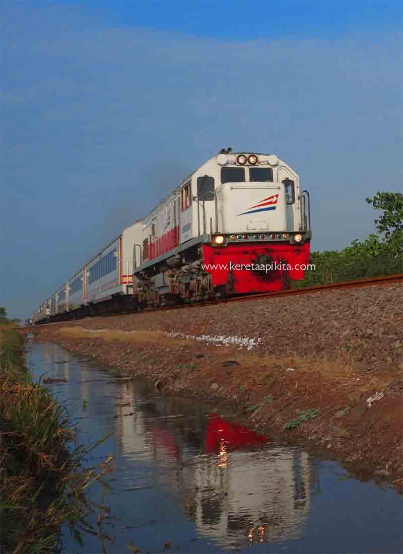Kereta Api Wijaya Kusuma